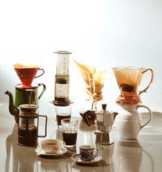 Utensílios usados para diferentes tipos de preparo de café