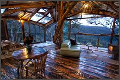 Amazing treehouse! Love Cabins - Wollemi Wilderness Treehouse