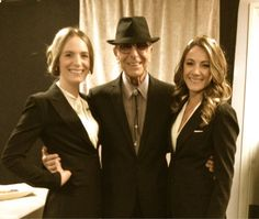 Leonard Cohen and The Webb Sisters. Stockholm 15 augustus 2013. Posted by The Webb Sisters on facebook.