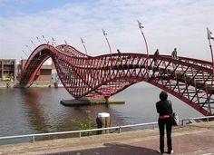 Sporenburg-Borneo-Bridge