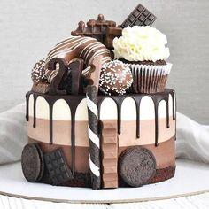 Beautiful Desserts, Beautiful Cakes, Amazing Cakes, Beautiful Birthday Cakes, Cake Decorating Designs, Cake Designs, Fun Desserts, Delicious Desserts, Baking Desserts