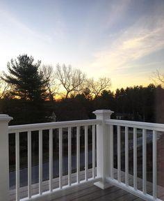 Good Morning Saturday! The best thing about waking up super early?! Getting to see the sun rise #home ------- O lado bom de acordar cedo?! Ver o sol nascer lindo e cheio de energia! Bom sábado amores! by camilacoelho