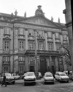 Bratislava | Staré fotky Bratislavy | Historical Photos - Page 51 - SkyscraperCity Bratislava Slovakia, Historical Photos, Php, Painting Inspiration, Old Photos, Louvre, Street View, Europe, Urban