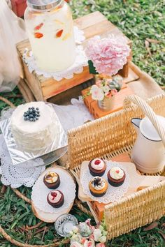 A scrumptious dessert only reception for a vintage inspired wedding picnic. Photo Source: The Wedding Scoop. Mod Wedding, Rustic Wedding, Wedding Picnic, Picnic Weddings, Picnic Engagement, Wedding Summer, Forest Wedding, Woodland Wedding, Wedding Reception