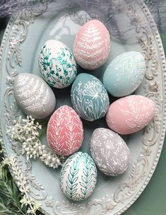 Cool Easter Eggs, Easter Egg Dye, Easter Egg Crafts, Coloring Easter Eggs, Easter Table, Easter Egg Designs, Diy Easter Decorations, Egg Art, Easter Holidays