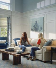 Brooke Shields and friend kicking back in the La-Z-Boy Poet Room Group.  #livelifecomfortably