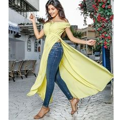 Yellow Off Shoulder side slit kurti Yellow Off Shoulder side slit kurti Kurti Fabric reyon , Full Stitched, Kurti Length 50 . Wear This beautiful slit kurti with jeans of leggins and slays beautiful Casual Indian Fashion, India Fashion, Women's Fashion, Party Wear Lehenga, Party Wear Dresses, Side Slit Kurti, Kurti With Jeans, Jacket Lehenga, Casual Wear