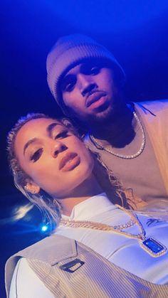 Look how fine he is ugh 🥺; Chris Brown Dance, Breezy Chris Brown, Chris Brown Videos, Chris Brown Pictures, Chris Brown Drawing, Cris Brown, Chris Brown Wallpaper, Chris Brown Official, Victoria Secret Body Spray
