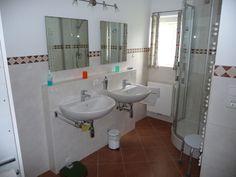 2008 haben wir eine neue Heizung einbauen lassen und das Bad völlig neu saniert.