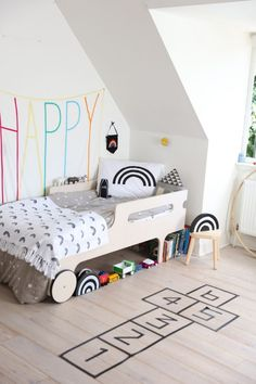 Black and White Rooms with a Pop of Colour! http://petitandsmall.com/black-white-kids-rooms-pop-colour/