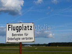Betreten des Flugplatz Oerlinghausen für Unbefugte verboten im Teutoburger Wald in Ostwestfalen-Lippe