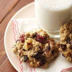 Oatmeal  What kid doesn't love cookies for snacktime? Instead of buying the high-sugar, high-fat varieties from the store, bake up a batch of our low-fat Oatmeal Cookies and feel better about serving cookies and milk. The best part is you can add in whatever you want -- try raisins, cranberries, dried apricots, or nuts to boost the nutritional value and taste.