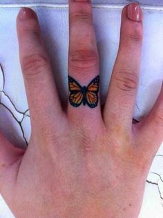 A small butterfly tattoo can represent many things like freedom, beauty and love. Check out this collection of 22 Awesome Small Butterfly Tattoo designs. Monarch Butterfly Tattoo, Colorful Butterfly Tattoo, Butterfly Tattoo Designs, Butterfly Ring, Orange Butterfly, Butterfly Project, Simple Butterfly, Morpho Butterfly, Blue Morpho