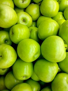 Top 9 Health Benefits of Green Apple Green Fruit, Fruit And Veg, Fruits And Veggies, Green Foods, Orange Fruit, Vegetables, Green Apple Benefits, Apple Farm, Fiber Rich Foods