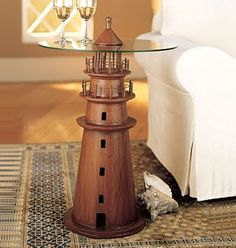 I love everything that has to do with lighthouses & the ocean <3
