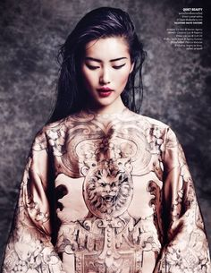 I love this look from Vogue Thailand October Marcin Tyszka (photographer) Liu Wen (Model) In 'The Empress' New Clothes'. Liu Wen, Foto Fashion, Asian Fashion, Fashion Models, Chinese Fashion, Asian Woman, Asian Girl, Kreative Portraits, Mode Editorials
