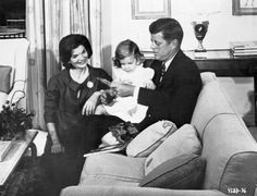 thosekennedys:  U.S. President John F. Kennedy with his wife, Jackie, and their daughter, Caroline.