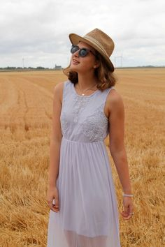 Lavendar maxi dress from #defshop and vintage straw hat for a cute summer outfit