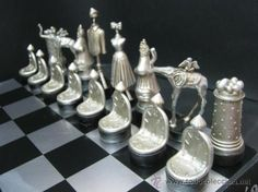 Salvador Dalí Surrealistic Chess Set