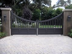 60 Best Driveway Gates Ideas, Different Types With Many Benefits - Enjoy Your Time Metal Driveway Gates, Metal Gates, Wooden Gates, Front Gates, Entrance Gates, Farm Entrance, Driveway Entrance, Tor Design, Gate Design