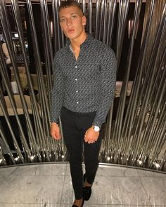 "7,229 curtidas, 101 comentários - Brandon Myers (@brandonpmyers) no Instagram: ""#stklondon I'll be back... 🍸 @stk.london @intoapp"" Brandon Myers, Curtido, Look, Bae, Spring Summer, Fitness, Instagram, All About Fashion, Moda Masculina"