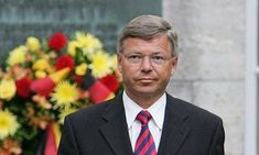 Former Norway PM held at Washington airport over 2014 visit to Iran | US news | The Guardian