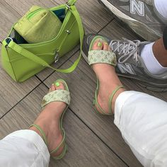 Style by Stroh Sock Shoes, Cute Shoes, Me Too Shoes, Trendy Shoes, Mode Outfits, Fashion Outfits, Fashion Bags, High Heels, Shoes Heels