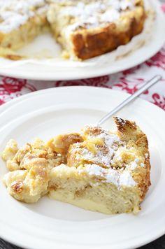 Suikerbrood broodpudding, leuk om te maken voor de Paasdagen. Maar ook heel lekker en leuk voor daarna. Je kan het eventueel ook met oud brood maken.