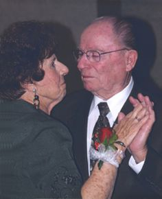 Husband and Wife Die 16 Hours Apart, After 76 Years Together. Thats True Love | Love + Sex - Yahoo! Shine