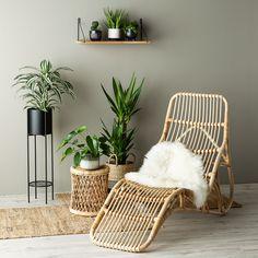Køb BALI rattan flet liggestol lige her! Interior Design Inspiration, Home Interior Design, Bali, Rattan Furniture, Retail Space, Room Paint, My Room, Green Colors, Accent Chairs