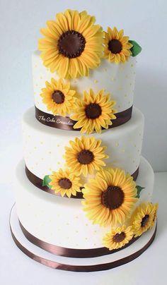 The Cake Crusader | WEDDING, ANNIVERSARY, GRADUATION