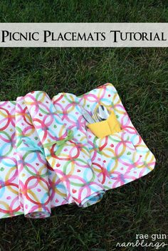 Picnic Placemats quick and easy sewing project - Rae Gun Ramblings #waverize #sewing #tutorial #gifts