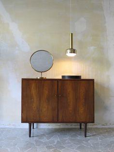 Interior modern danish design - Pendant brass danish Lamp by Vilhelm Lauritzen for Louis Poulsen, 1956 - 60s modern danish teak cabinet - www.capperidicasa.com