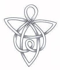 Celtic Angel Tattoo Ideas Designs With Meanings Hello! Here we have nice picture about angel symbol tattoo designs. We hope these pho. Four Leaf Clover Tattoo, Clover Tattoos, Shamrock Tattoos, Celtic Patterns, Celtic Designs, Welsh Tattoo, Symbole Tattoo, Tattoo Familie, Engel Tattoos