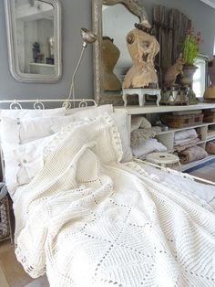 Love the low, open shelves with folded quilts and linens and baskets at princessgreeneye Open Shelves, Shelving, Pretty Room, Vintage Home Decor, Merino Wool Blanket, Home Decor Inspiration, Pretty Pictures, Vignettes, Linens