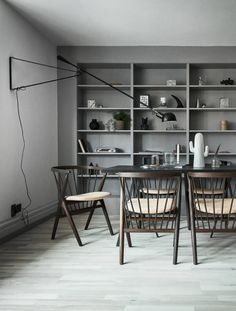 A home with great built in shelving - via Coco Lapine Design
