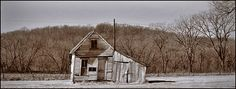 Tiny museum tells of the Bonnie and Clyde ambush Bonnie And Clyde Death, The Bonnie, Bonnie Clyde, Elizabeth Parker, Gangster Party, The Babadook, Bonnie Parker, Creepy Pictures, Photography Articles