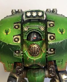 Wanna know what color Salamanders paint their Dreadnoughts? It's green, I hope you guessed green!