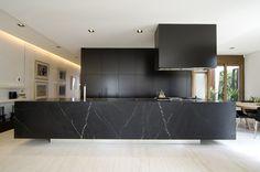 Black and bold Melbourne home design | Designhunter - architecture & design blog
