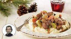 Boeuf bourguignon by Christian Bégin – Cooking recipes … – Meat Foods Ideas Meat Recipes, Cooking Recipes, Confort Food, Christian Bégin, Cast Iron Dutch Oven, Fried Onions, Stew, Camembert Cheese, Beef Bourguignon