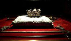 A coroa e o cetro de Isabel I de Castela. Dinastia Trastâmara, Em Granada,
