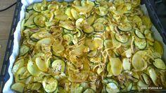 Zapečená cuketa s bramborem a žampióny - brydova.cz Gnocchi, Zucchini, Food And Drink, Vegan, Vegetables, Recipes, Vegetable Recipes, Veggie Food, Recipies
