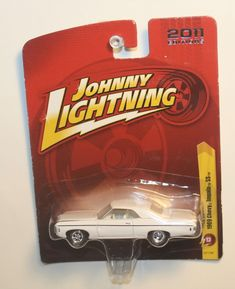 JOHNNY LIGHTNING SCOOBY DOO MYSTERY MACHINE KIT 1//64 SCALE NIB FREE USA SHIP