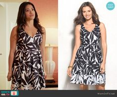 Jane's black and white leaf print dress on Jane the Virgin.  Outfit Details: https://wornontv.net/56424/ #JanetheVirgin
