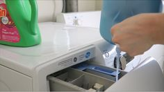 Vymeňte drahé aviváže za tento lacný domáci recept: Zmenu uvidíte už po prvom praní! Linux, Housekeeping, Washing Machine, Home Appliances, Cabinet, Storage, Furniture, Home Decor, Board