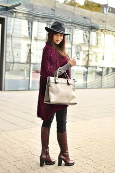 #outfit #ootd #autumn #fashion #inspiration #fall #vesta #hat #EyRI #topánky #girl #woman #burgundy #style #jeans #katharine #hype #lookbook #boots #vest #howtowear