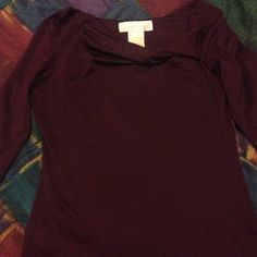 Purple Longsleeve Shirt Classy purple blouse with long sleeves and a slight twist design on the front! Super soft and in perfect condition! Size is Small! Tops
