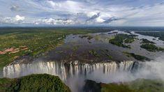 Les plus belles cascades du Monde - Chutes Victoria - Zambie - Afrique Beautiful Places To Visit, Places To See, Chutes Victoria, Waterfall Wallpaper, Chobe National Park, Largest Waterfall, Les Cascades, Beautiful Waterfalls, Awesome