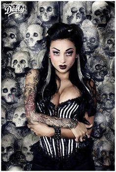 #Goth girl and Skulls