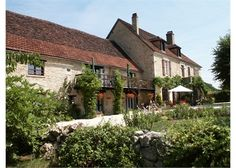 Le Sud comprises a large traditional Quercy #farmhouse built around 1808 together with stone barns lovingly converted into four beautiful gîtes/cottages all set in nearly six hectares (15 acres) of beautiful gardens, woods and meadows close to the River Doirdogne>> €750,000 #Midi-Pyrenees #France